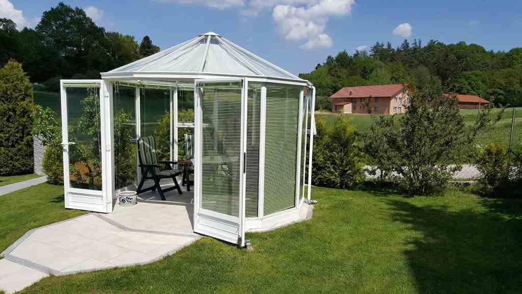 glaspavillons von palmen. Black Bedroom Furniture Sets. Home Design Ideas