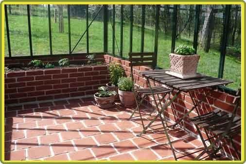 Victorian-Classic-Greenhouse-Innenansicht.jpg
