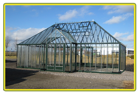 Victorian-Classic-Greenhouse Walmdach-mit-Kapelle8.png