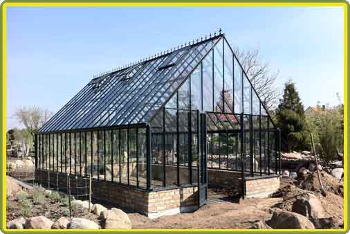 Victorian-Classic-Greenhouse-auf-Mauer1.jpg