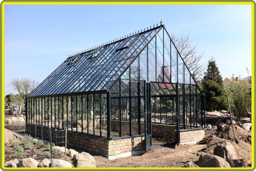 Victorian-Classic-Greenhouse-auf-Mauer1.png