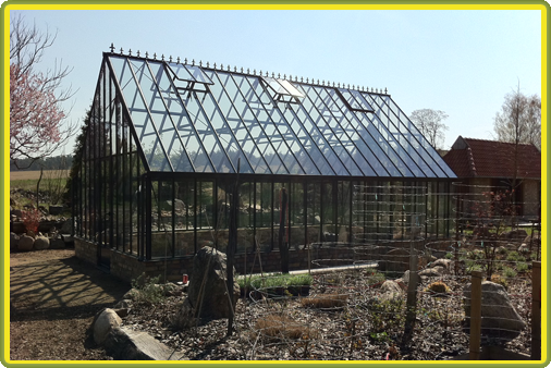 Victorian-Classic-Greenhouse-auf-Mauer3.png
