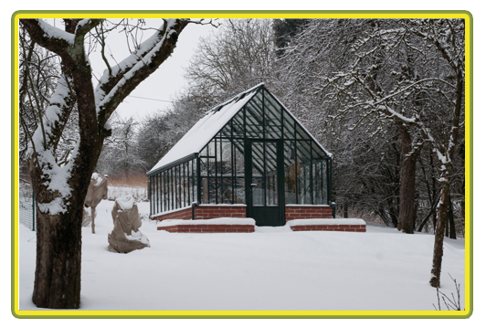 Victorian-Classic-Greenhouse-im-Schnee.png
