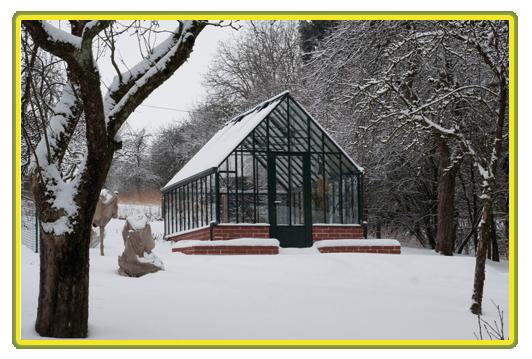 Gewächshäuser Englisches Gewächshaus Victorian-Classic-Greenhouse-im-Schnee