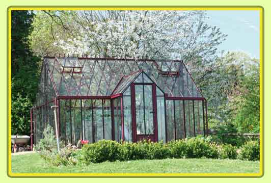 Victorian-Classic-Greenhouse-mit-Kapelle-in-rot4.jpg