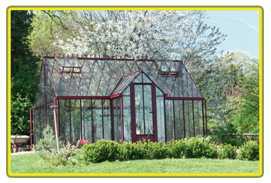 Victorian-Classic-Greenhouse-mit-Kapelle-in-rot4.png